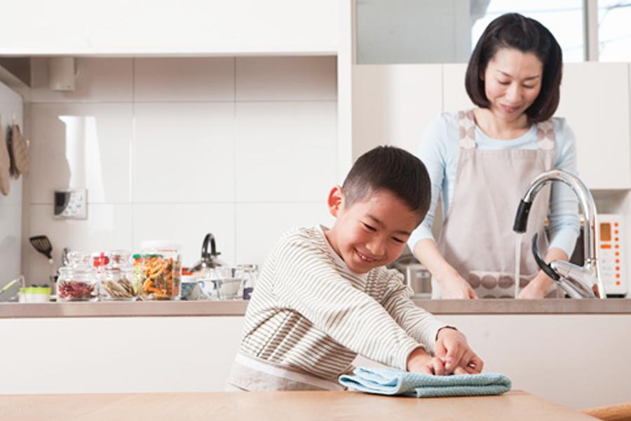 เคล็ดลับ สอนลูกทำงานบ้าน ด้วยวิธีการง่าย ๆ