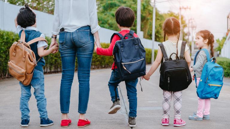 3 เทคนิคการรับมือกับ ปัญหาเมื่อลูกไปโรงเรียน ที่พบบ่อยให้ทันท่วงที