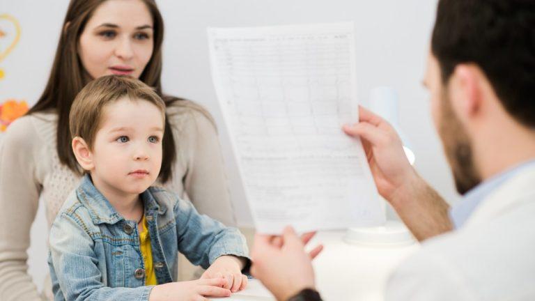 พาลูกไปพบจิตแพทย์ อย่ากลัวที่จะพาลูกไปปรึกษากับจิตแพทย์เด็กโดยตรง