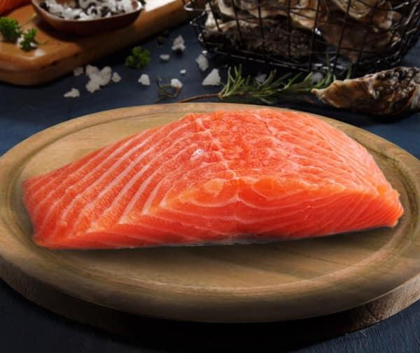 ปลาแซลมอน อาหารของคุณแม่หลังคลอด