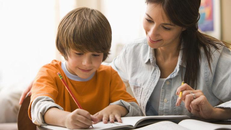 สำหรับครอบครัวไหนที่ลูกไม่ค่อยชอบทำการบ้านบอกเลยว่า ห้ามพลาด