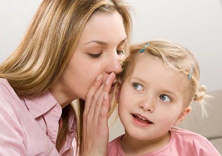 วิธีเลี้ยงลูกให้เป็นเด็กคิดบวก ด้วยการดูแลเอาใจใส่ลูก