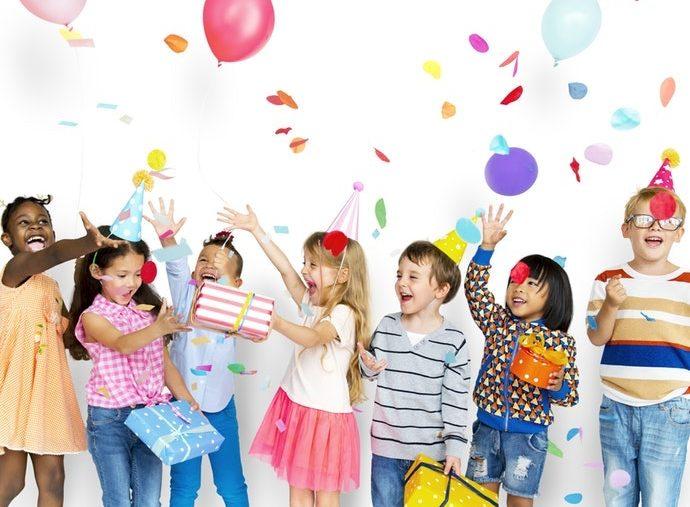 วิธีทำให้เด็กเข้าสังคมได้ดี เป็นที่รักของเพื่อนๆ