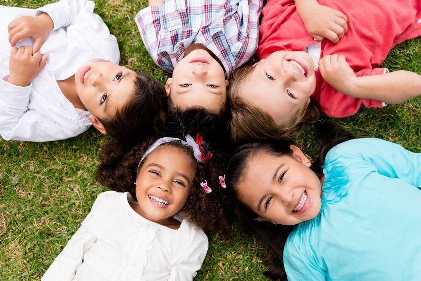 วิธีทำให้เด็กเข้าสังคมได้ดี เข้ากับเพื่อนๆได้ง่าย