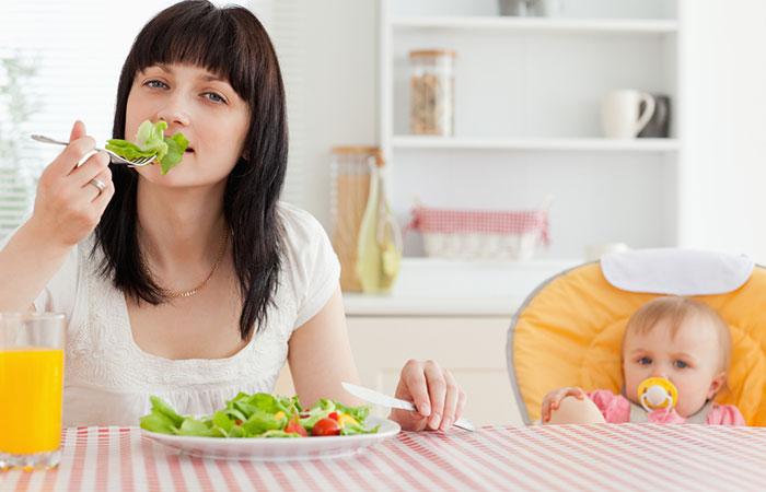เคล็ดลับเพิ่มน้ำนมแม่ บอกเลยว่าได้ผลดีมาก ๆ เคล็ดลับที่สามที่แอดอยากจะมาแนะนำ คือ ทานอาหารที่มีประโยชน์และพักผ่อนให้เต็มที่