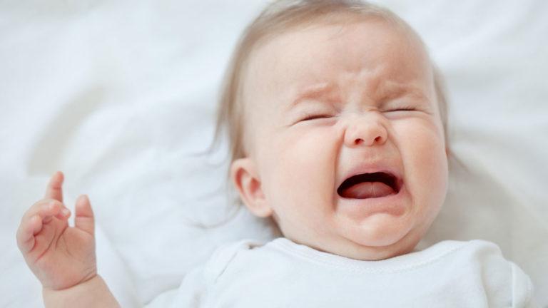 ทำความเข้าใจ เกี่ยวกับอาการ ลูกร้องไห้ไม่มีสาเหตุ ในช่วงวัยทารกแรกเกิด