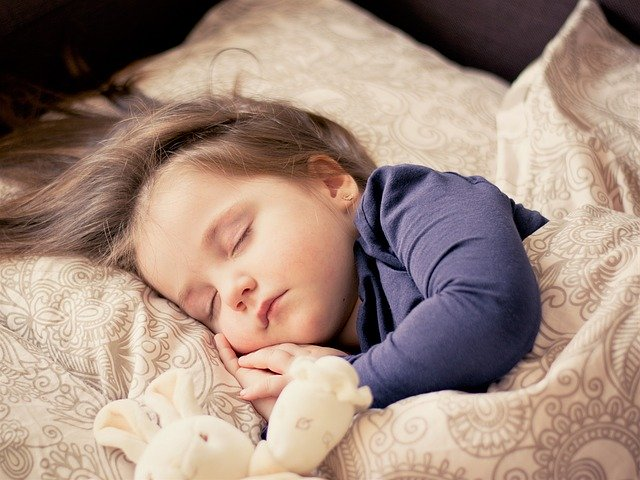 ลดเสียงรบกวนจากภายนอกที่ทำให้ ลูกน้อยนอนยาก แลยังช่วยทำให้ลูกสงบและพร้อมที่จะนอนหลับพักผ่อน