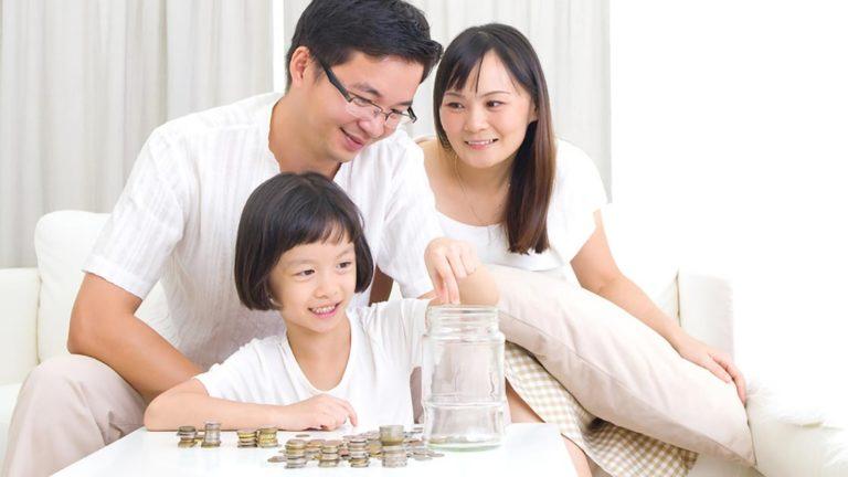 4 เทคนิคออมเงินให้ลูก ที่คุณพลาดแล้วอาจจะปวดหัว และเสียใจในอนาคต !!