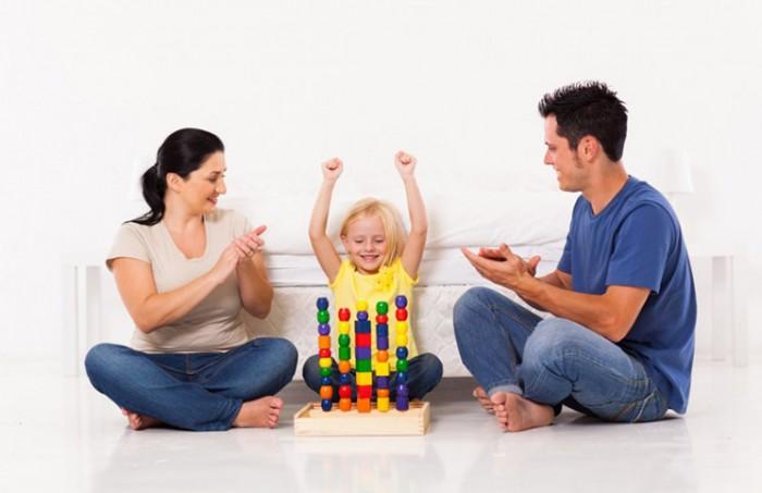 ข้อดีพ่อแม่เลี้ยงลูกแบบเพื่อน ทำให้ครอบครัวมีความสุขร่วมกัน