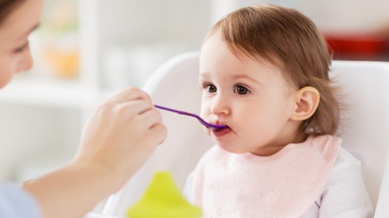 4 อาหารบำรุงสมองเด็กให้ฉลาด เสริมสร้างสติปัญญา และช่วยให้สดใสมีชีวิตชีวา