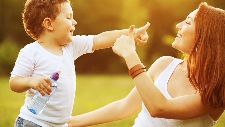 5 ข้อดีพ่อแม่เลี้ยงลูกแบบเพื่อน เป็นเพื่อนชี้กับลูกรัก อินเทรนด์ ได้ไม่ตกกระแส