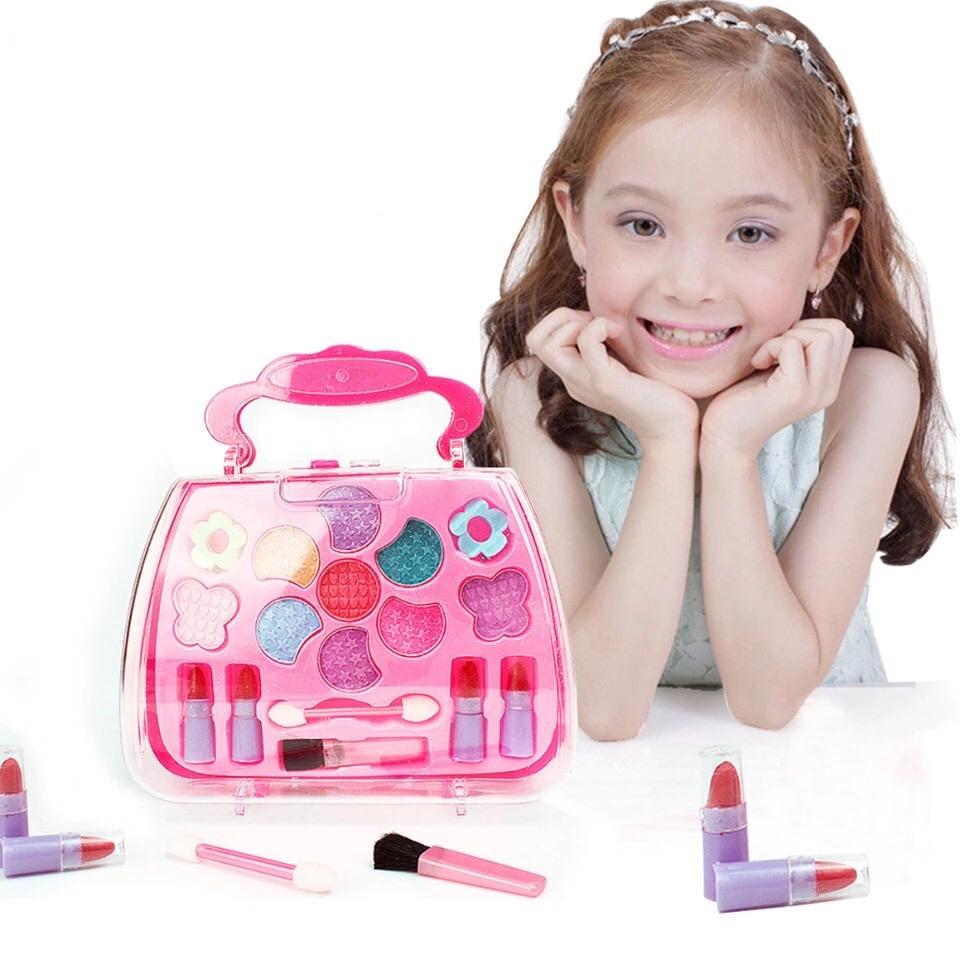 แต่งหน้าให้ลูก ด้วยผลิตภัณฑ์เครื่องสำอาง ที่ปลอดภัย ได้มาตรฐาน เหมาะสมต่อผิวอ่อนโยนของเด็ก ๆ