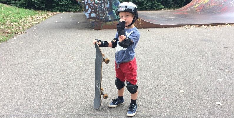สอนเด็กเล่น Surf Skate กิจกรรมสุดฮิต มาแรงที่สุดตอนนี้