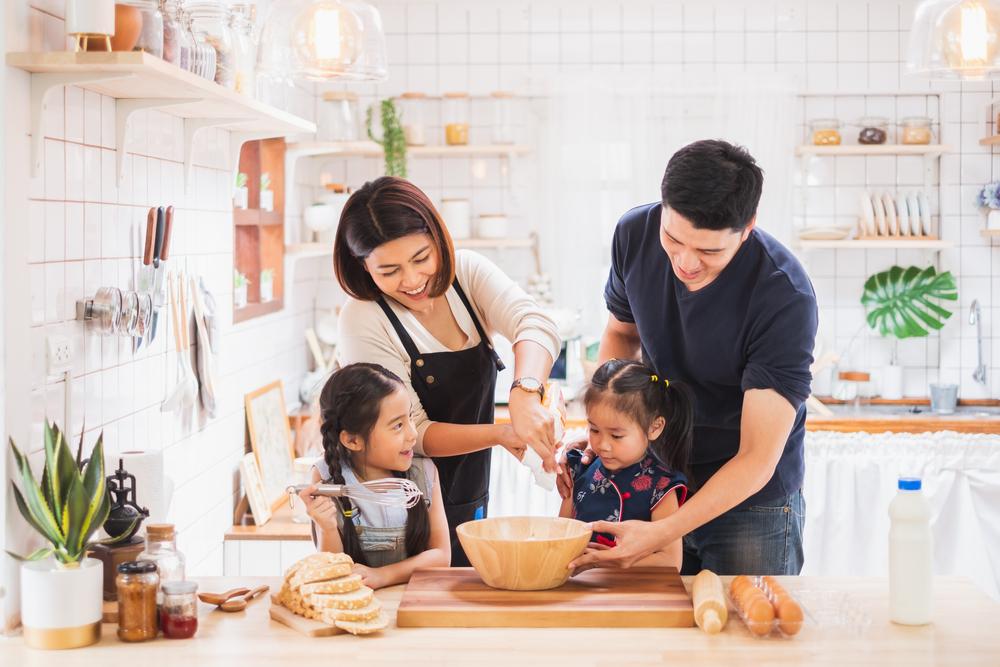 กิจกรรมที่พ่อแม่ควรทำกับลูก กับการเข้าครัวทำอาหาร
